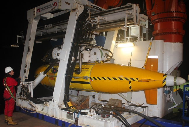 The Autosub6000 AUV was recovered after dark, with the onboard computers crammed full of data!